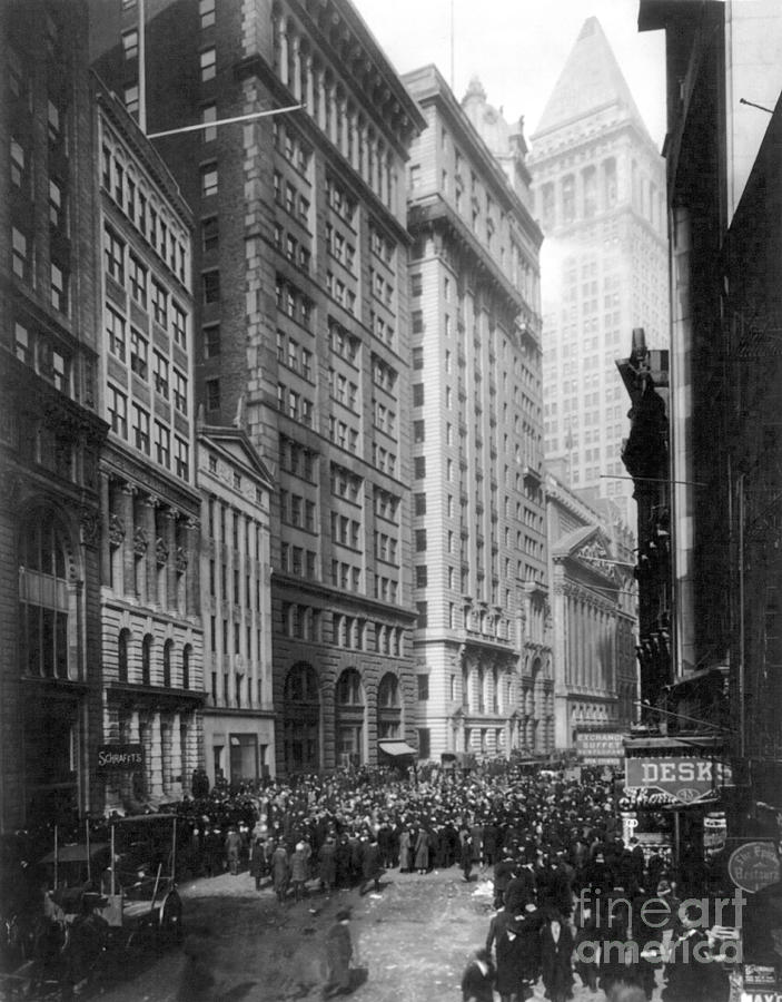 1920 Photograph - Financial Center, C1920 by Granger
