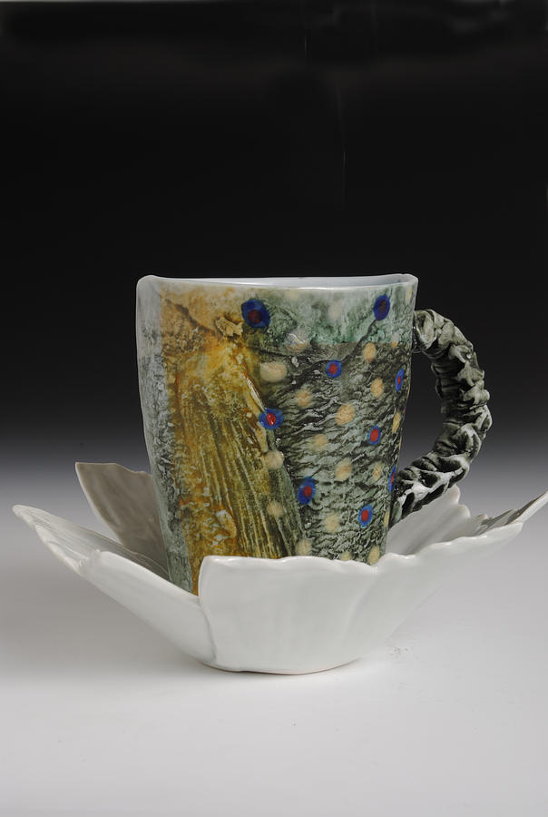 Fish Mug With Handle And Tail Saucer With Fly Sculpture
