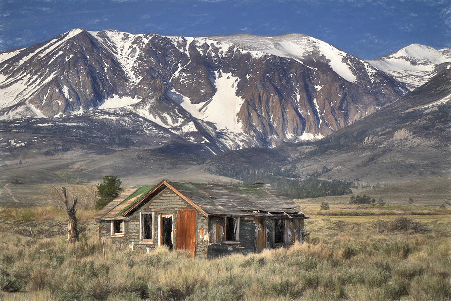 Mountains Photograph - Fixer Upper With A View by Donna Kennedy