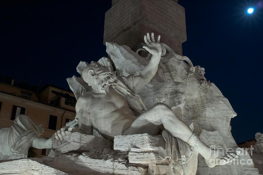 Fontana Photograph - Fontana Dei Quattro Fiumi Iv by Fabrizio Ruggeri