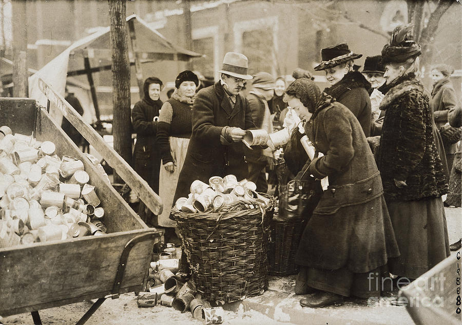 1923 Photograph - Germany: Inflation, 1923 by Granger