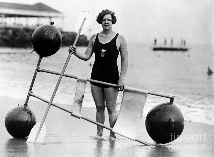 Gertrude Ederle Swimming The English Channel Gertrude Ederle (1906-...