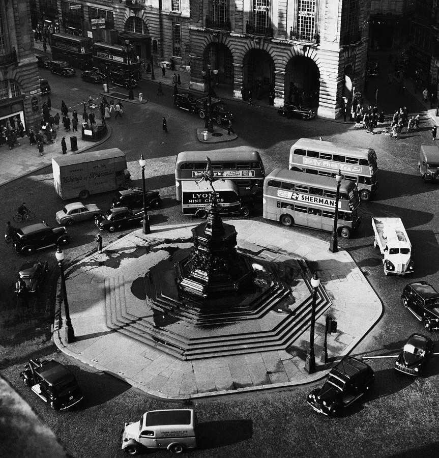 1950s Photograph - Great Britain. Piccadilly Circus by Everett