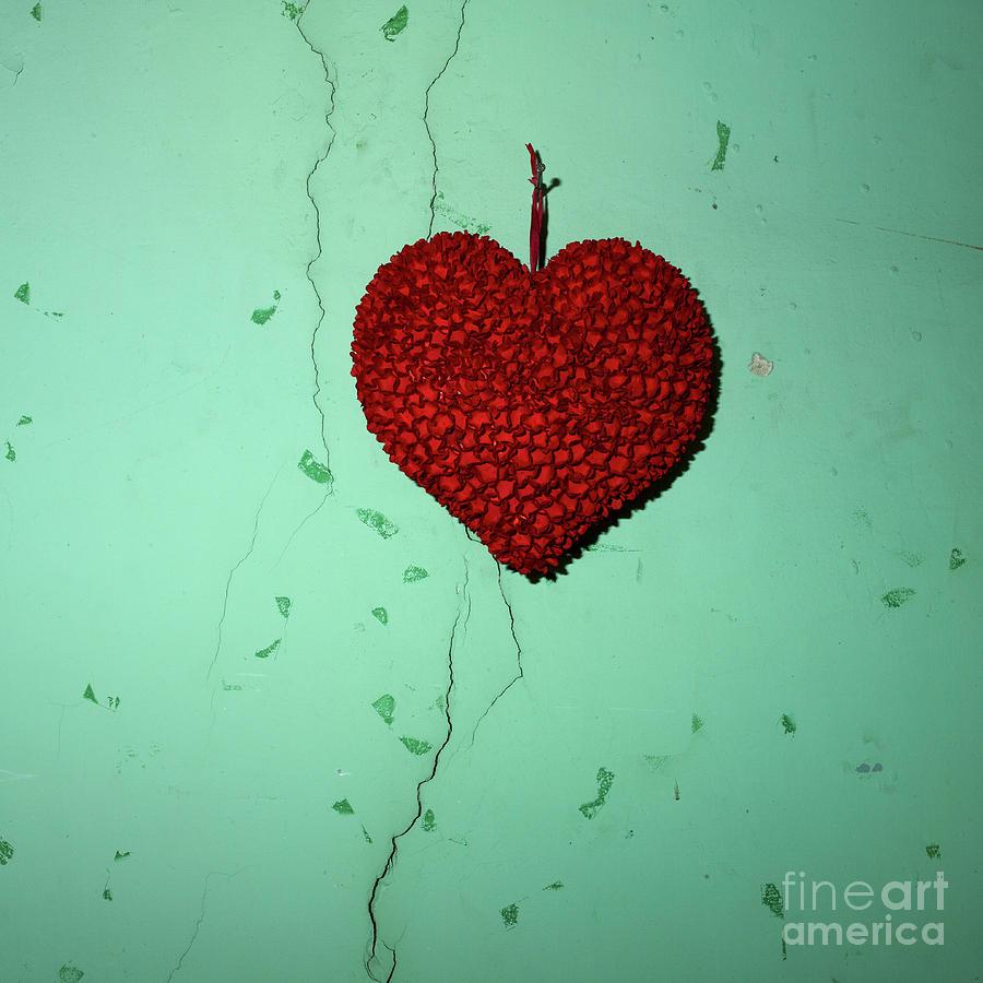 Hanged Photograph - Heart by Bernard Jaubert