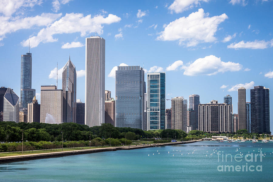 Hi-res Picture Of Chicago Skyline And Lake Michigan Photograph