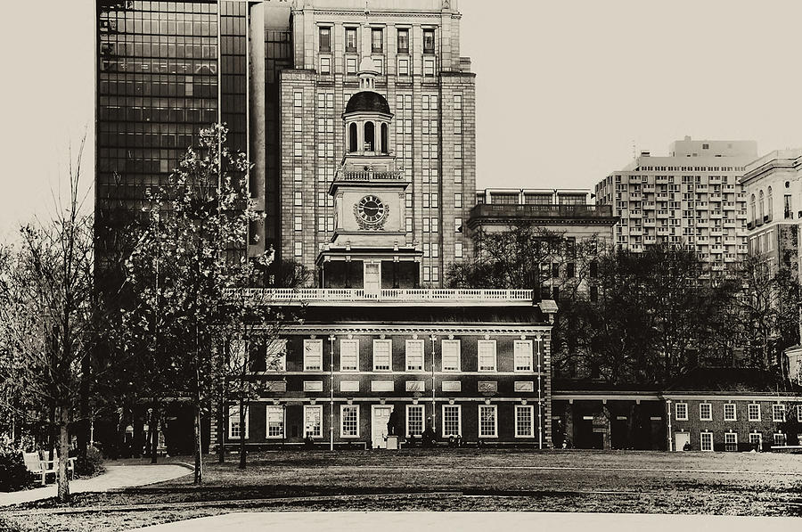 Philadelphia Photograph - Independence Hall by Bill Cannon
