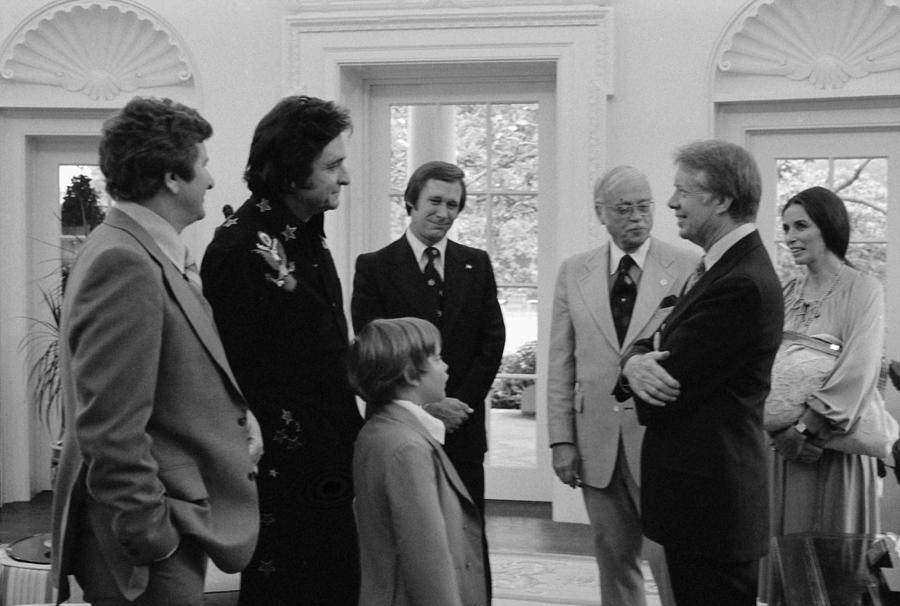 History Photograph - Jimmy Carter With Johnny Cash by Everett