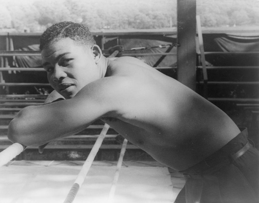 1940s Portraits Photograph - Joe Louis, At Greenwood Lake N.y by Everett