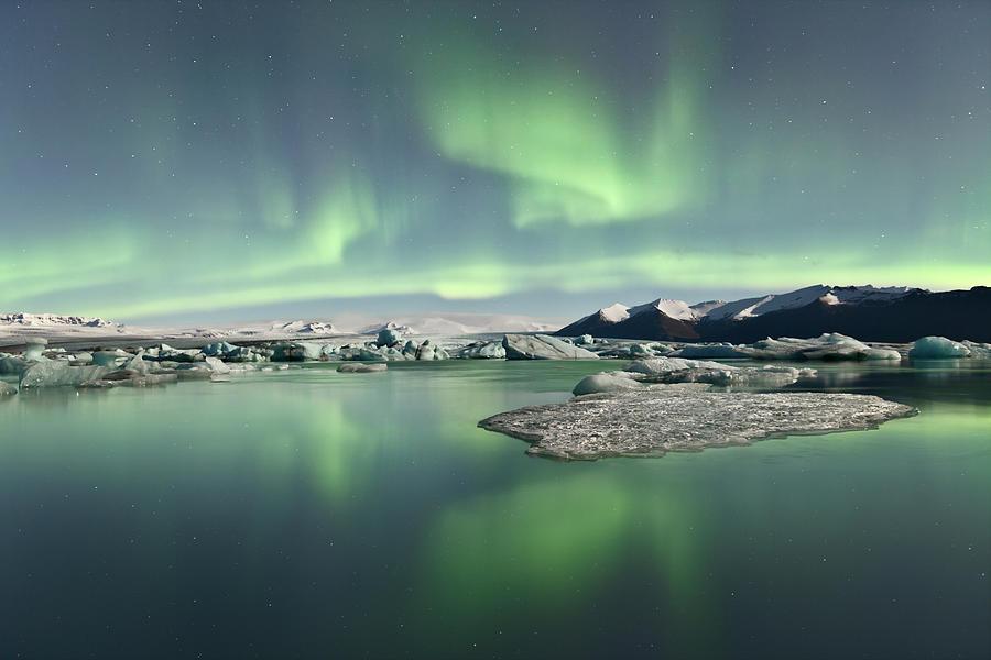 Horizontal Photograph - Jokulsarlon Lagoon Aurora Borealis by Reed Ingram Weir