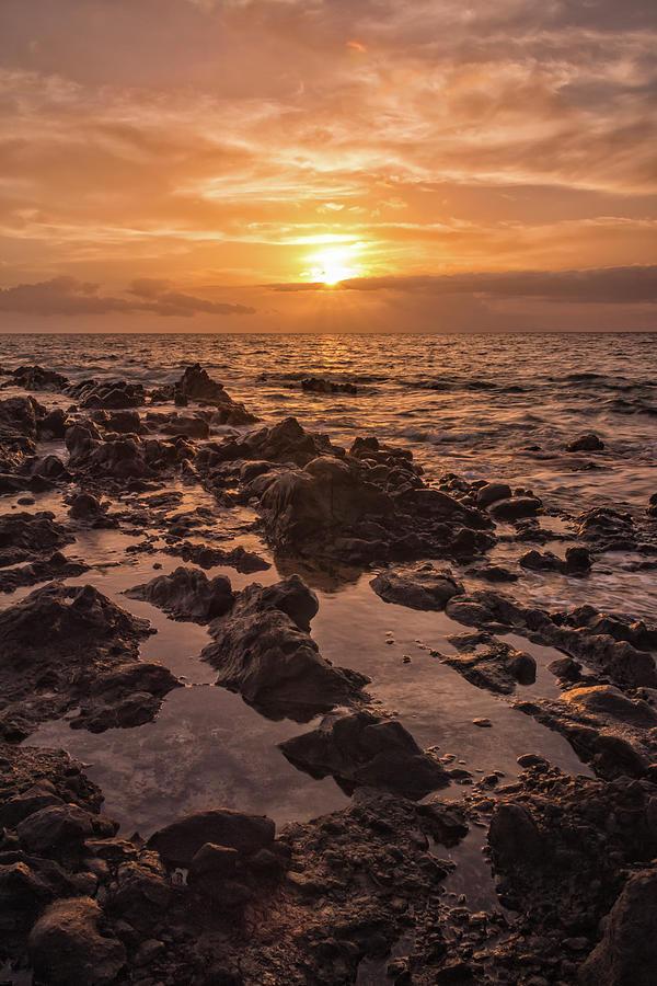 Kamaole Beach Park Kihei Sunset Maui Hawaii Hi Seascape Landscape Photograph - Kihei Sunset 2 - Maui Hawaii by Brian Harig