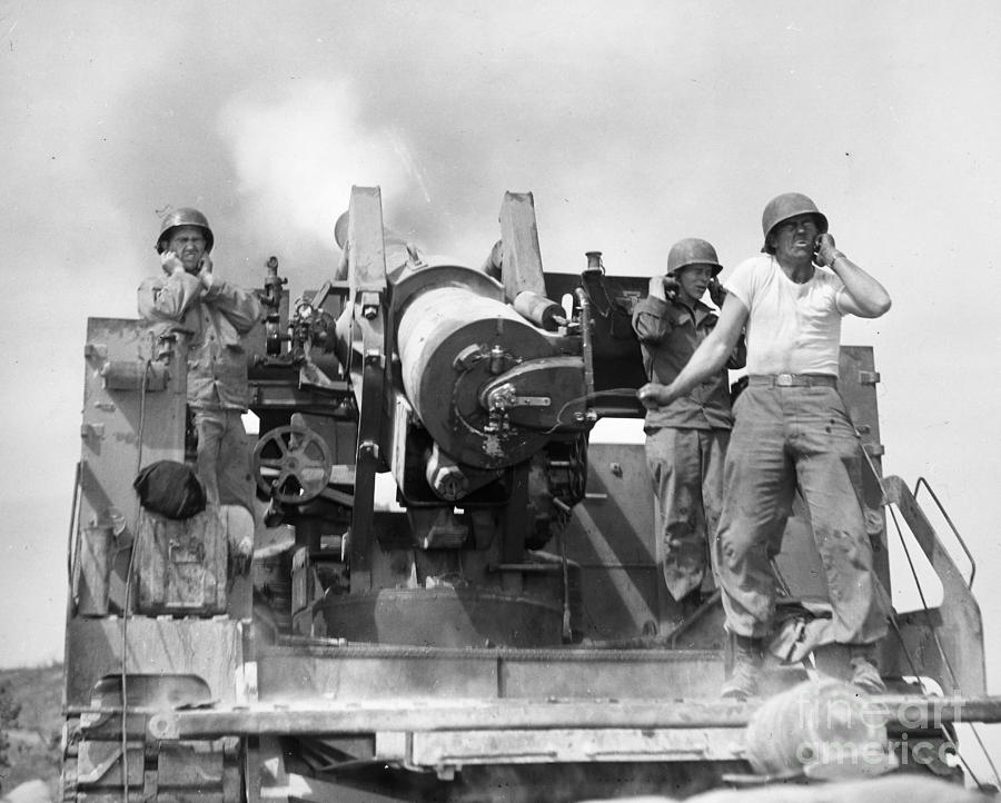 1952 Photograph - Korean War: Artillerymen by Granger