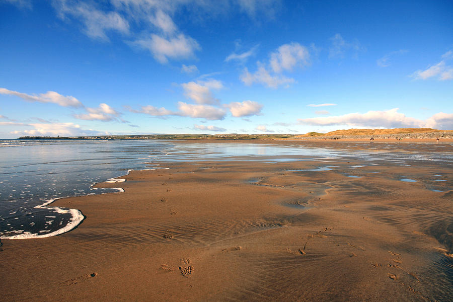 Lahinch Photograph - Lahinch View by John Quinn