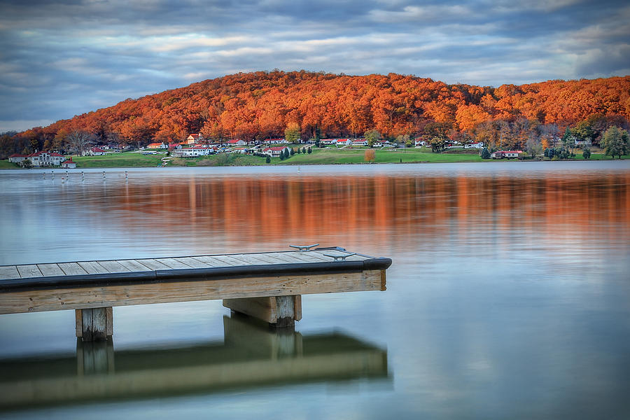 Lake Photograph - Autumn Red At Lake White by Jaki Miller