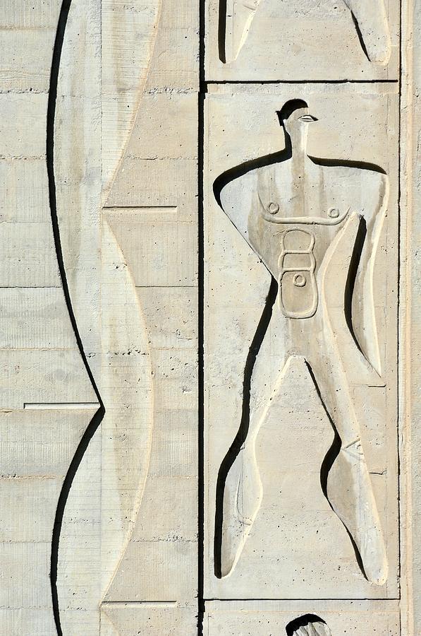 Le Modulor Photograph - Le Corbusier Design by Chris Hellier