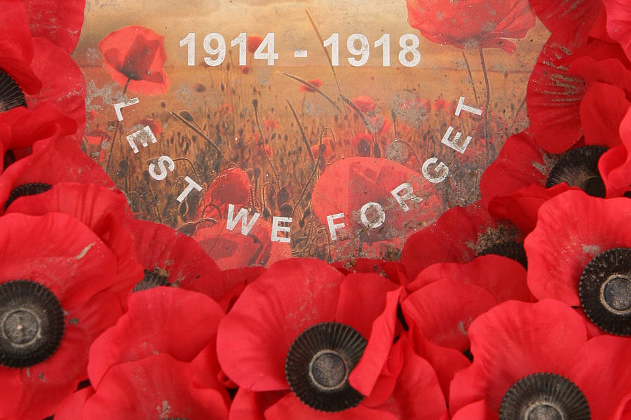 Lest We Forget - 1914-1918 Photograph