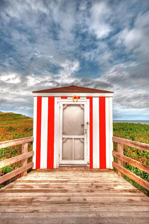 Pei Photograph - Lifeguard Hut by Elisabeth Van Eyken