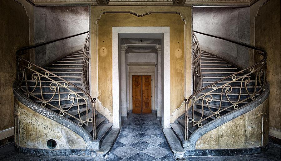 Abandoned casino photographs 10
