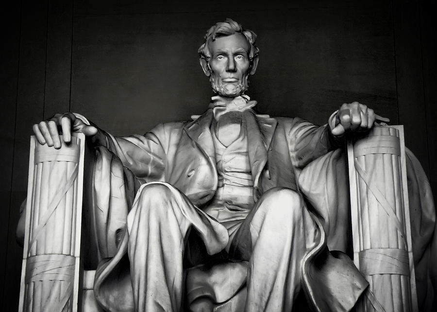 Lincoln Photograph - Lincoln Memorial by Daniel Hagerman