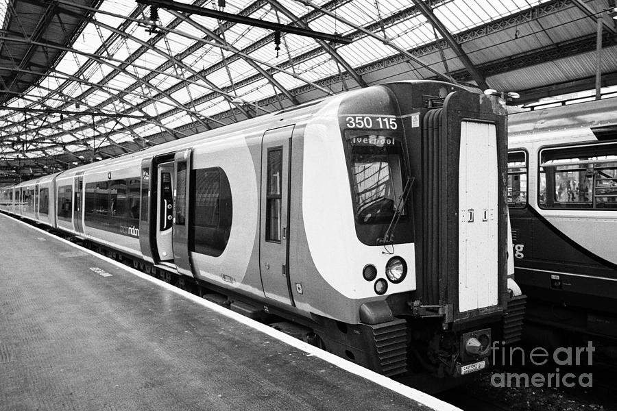 how to get from london to liverpool by train