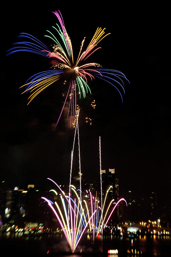 4th Of July Photograph - Macys Fireworks I by David Hahn