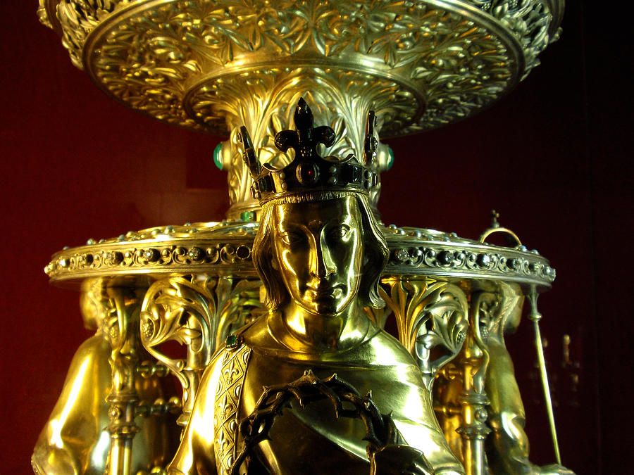 Royal Sculpture - Majestic Figurine by Edan Chapman