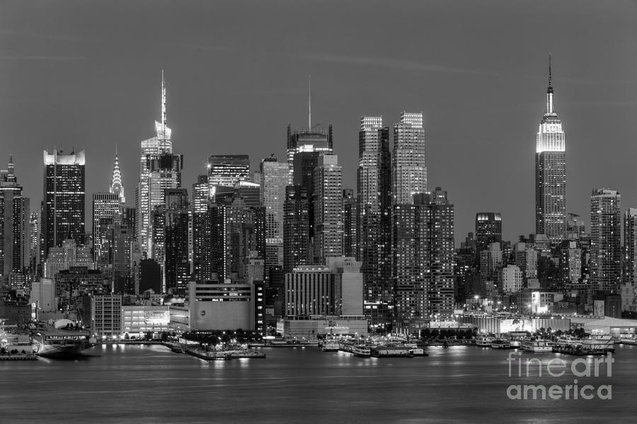 Manhattan Twilight Iv Photograph