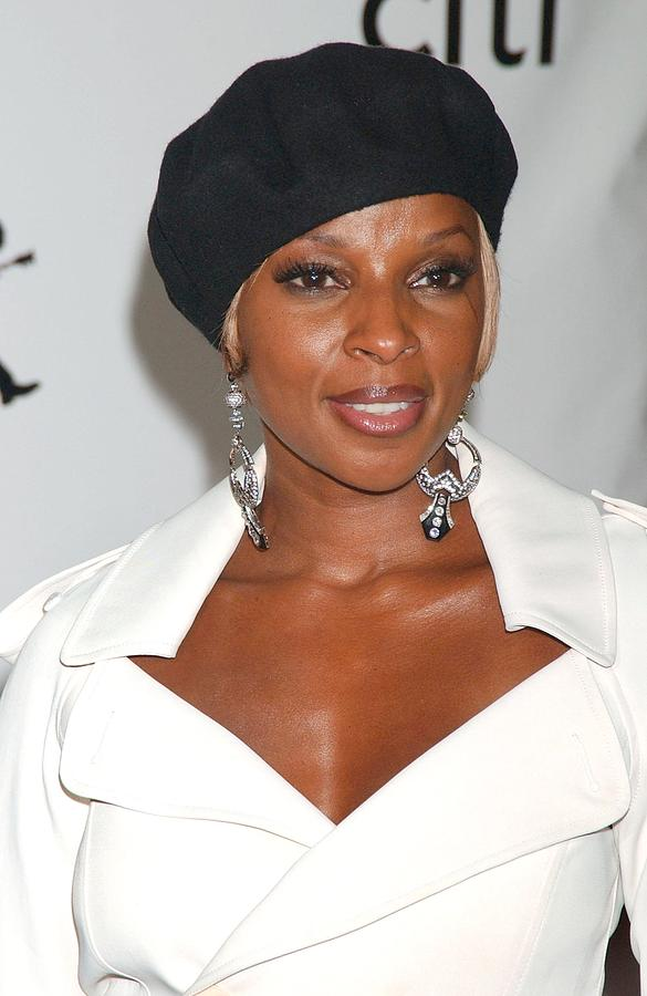 The 4th Annual Conde Nast Fashion Rocks Concert Photograph - Mary J. Blige At Arrivals For The 4th by Everett