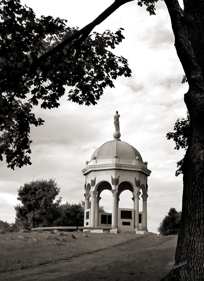 Civil War Photograph - Maryland Monument Black And White by Judi Quelland