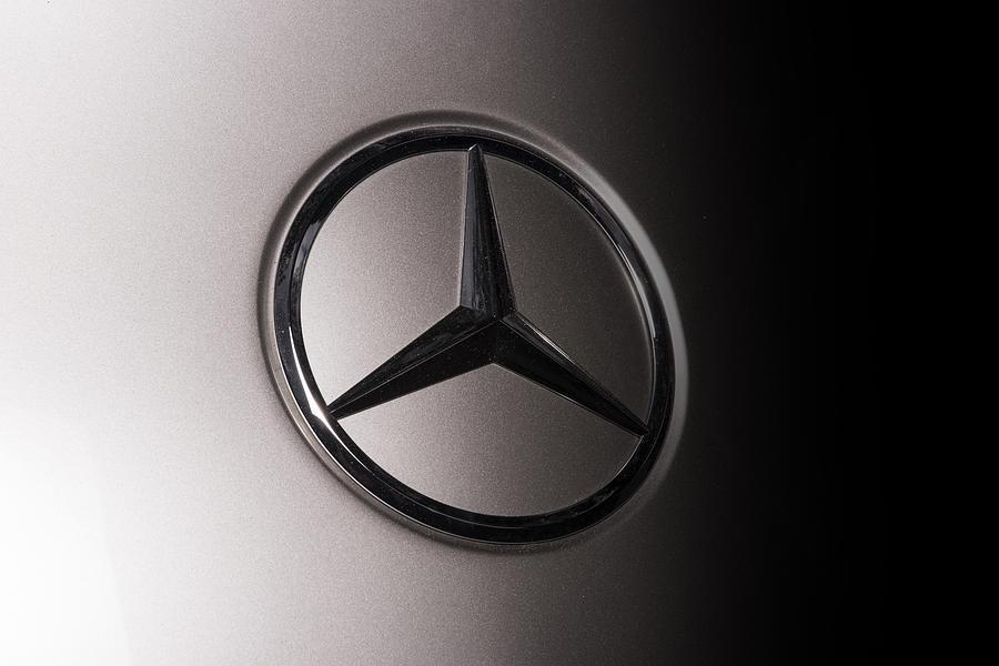 Mercedes benz sls emblem photograph by larry helms for Mercedes benz helms