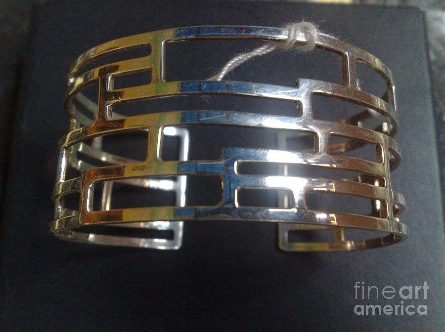 Model 2 - Ss Plain Cuff With Home Gate Entrance Designs Jewelry