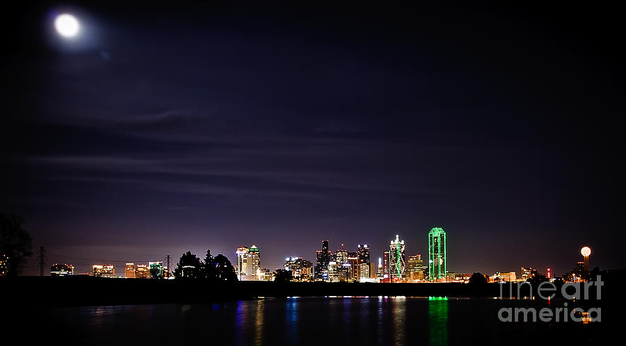 Buildings Photograph - Moon Over Dallas by Charles Dobbs