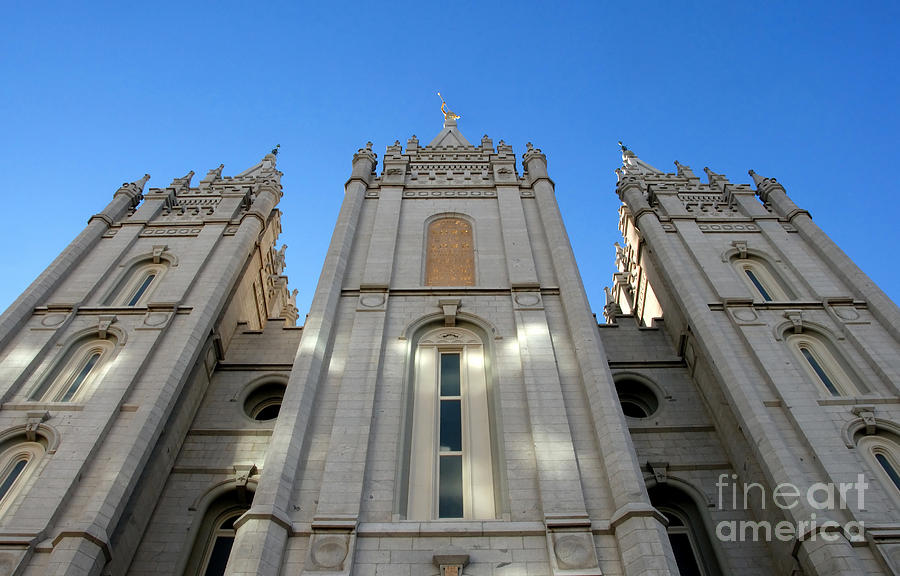 Mormon Temple Photograph - Mormon Temple by David Lee Thompson