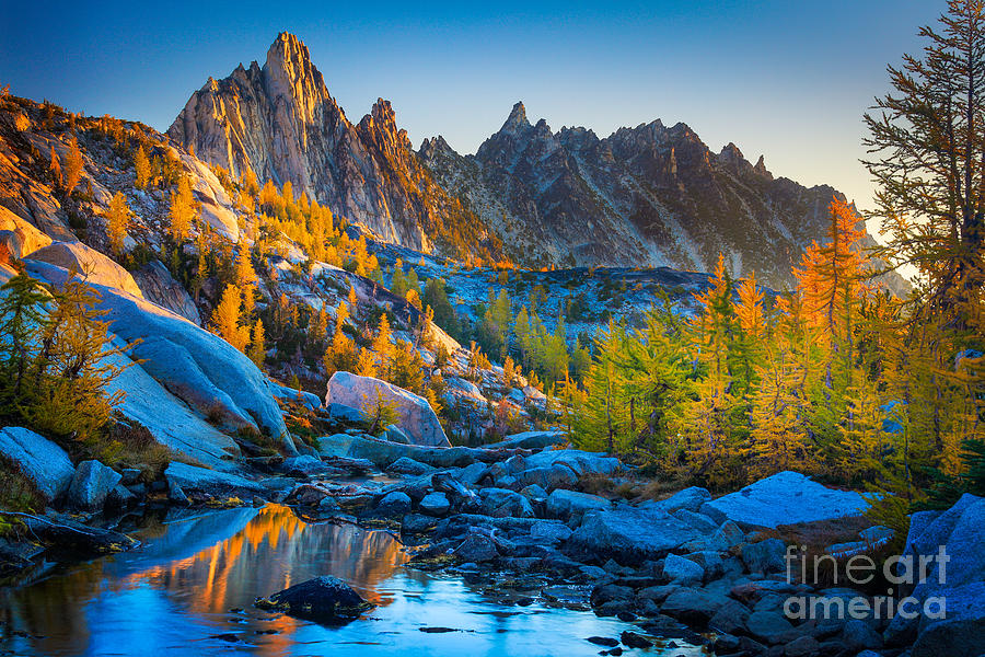 Alpine Lakes Wilderness Photograph - Mountainous Paradise by Inge Johnsson