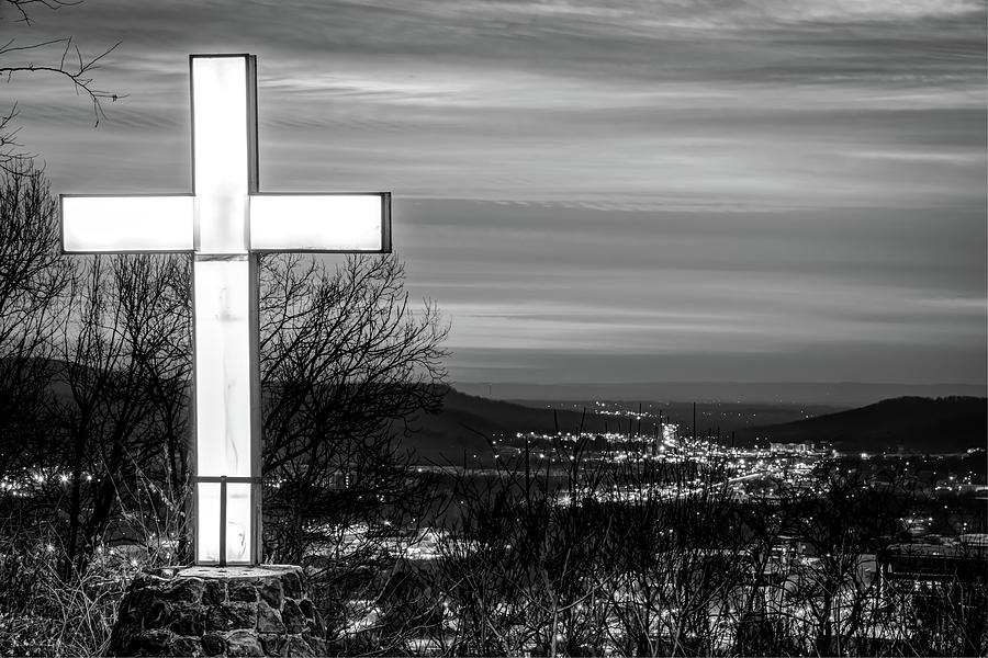 Mt Sequoyah - Fayetteville Arkansas - Black And White Photograph