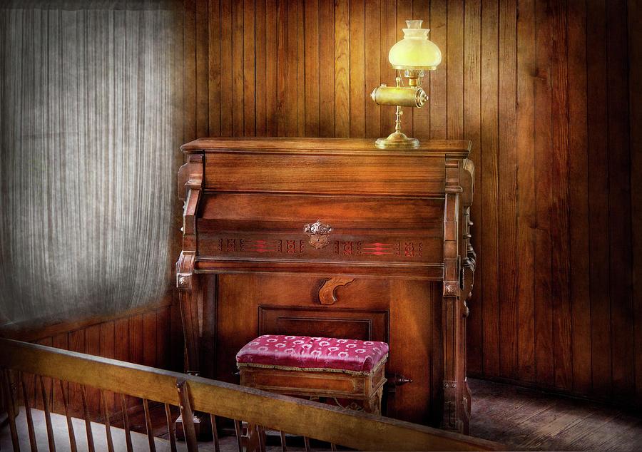 Hdr Photograph - Music - Organist - A Vital Organ by Mike Savad