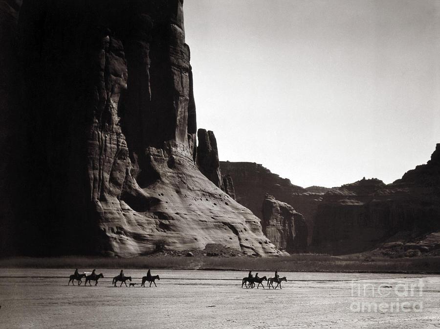 Navajos: Canyon De Chelly, 1904 Photograph