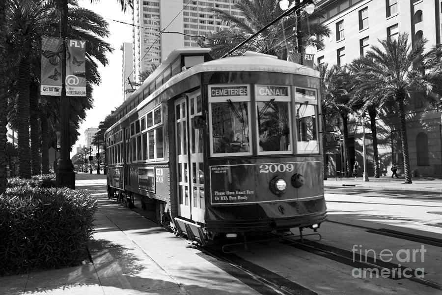 Canal Street Car Photograph - Nawlins by Leslie Leda