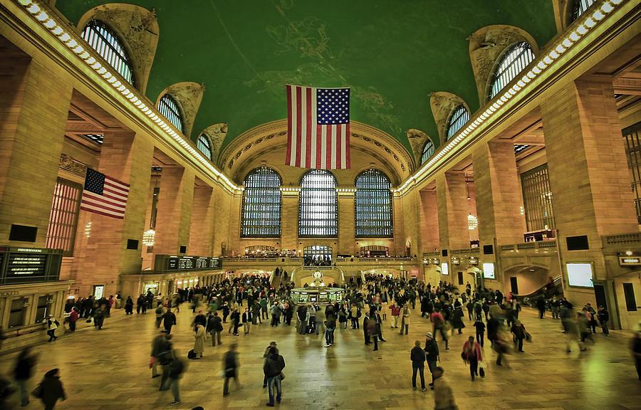 Architecture Photograph - New York Minute by Evelina Kremsdorf