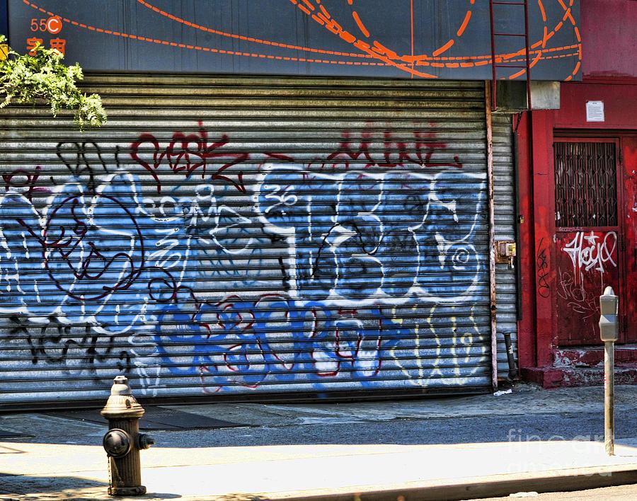 Graffiti Photograph - Nyc Graffiti by Chuck Kuhn