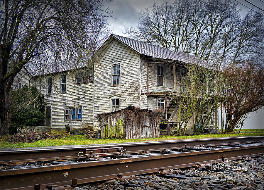 Old abandoned house by the railroad track photograph for Old house tracks