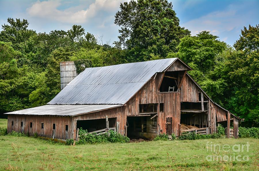Old Country Barn Photograph By Debbie Green