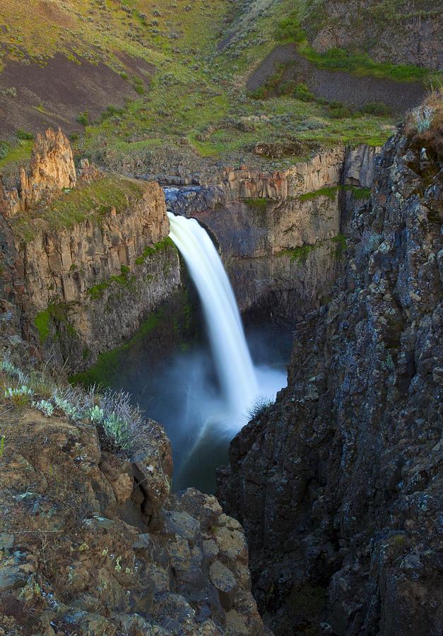 Palouse Falls Photograph - Palouse Falls by Mike  Dawson