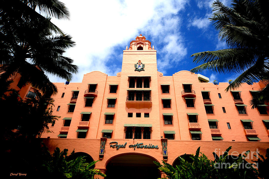 Royal Hawaiian Hotel Photograph - Pink Palace Of The Pacific by Cheryl Young
