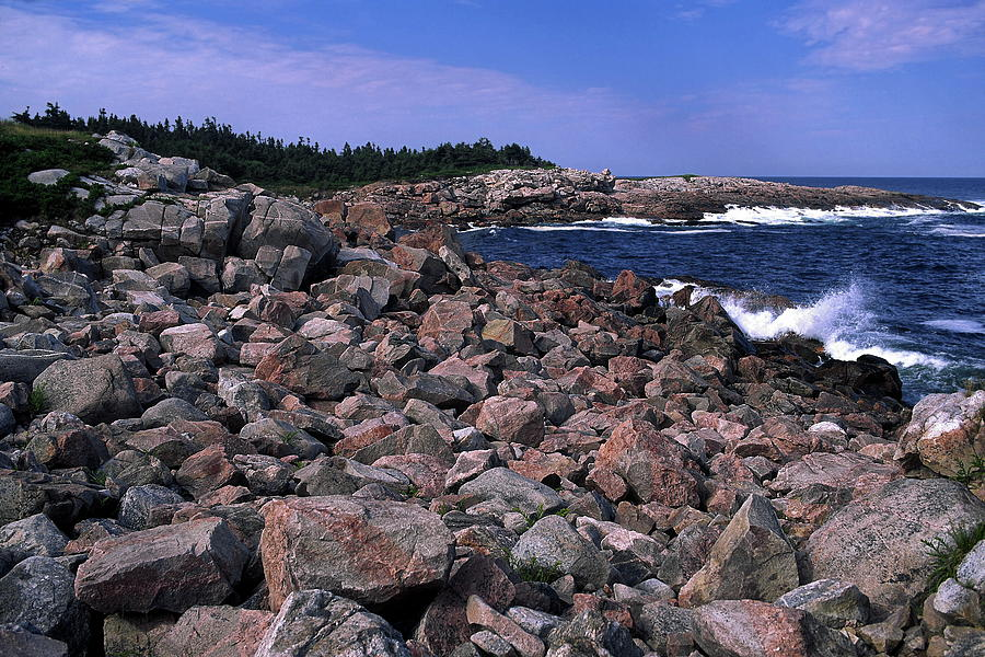 Atlantic Ocean Waves Splash Against Pink Rock Photograph - Pink Rock Shoreline by Sally Weigand