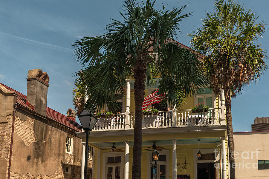 Poogans Porch In Historic Downtown Charleston Photograph