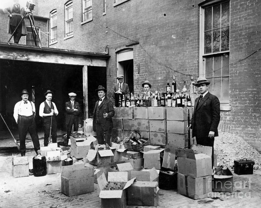 18th Amendment Photograph - Prohibition, 1922 by Granger