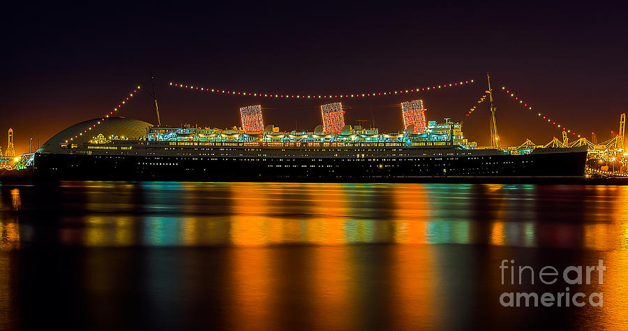 Rms Queen Mary Photograph - Queen Mary - Nightside by Jim Carrell