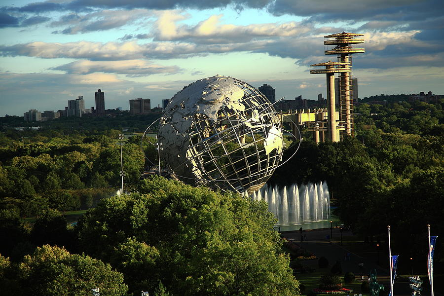Queens New York City - Unisphere Photograph by Frank Romeo