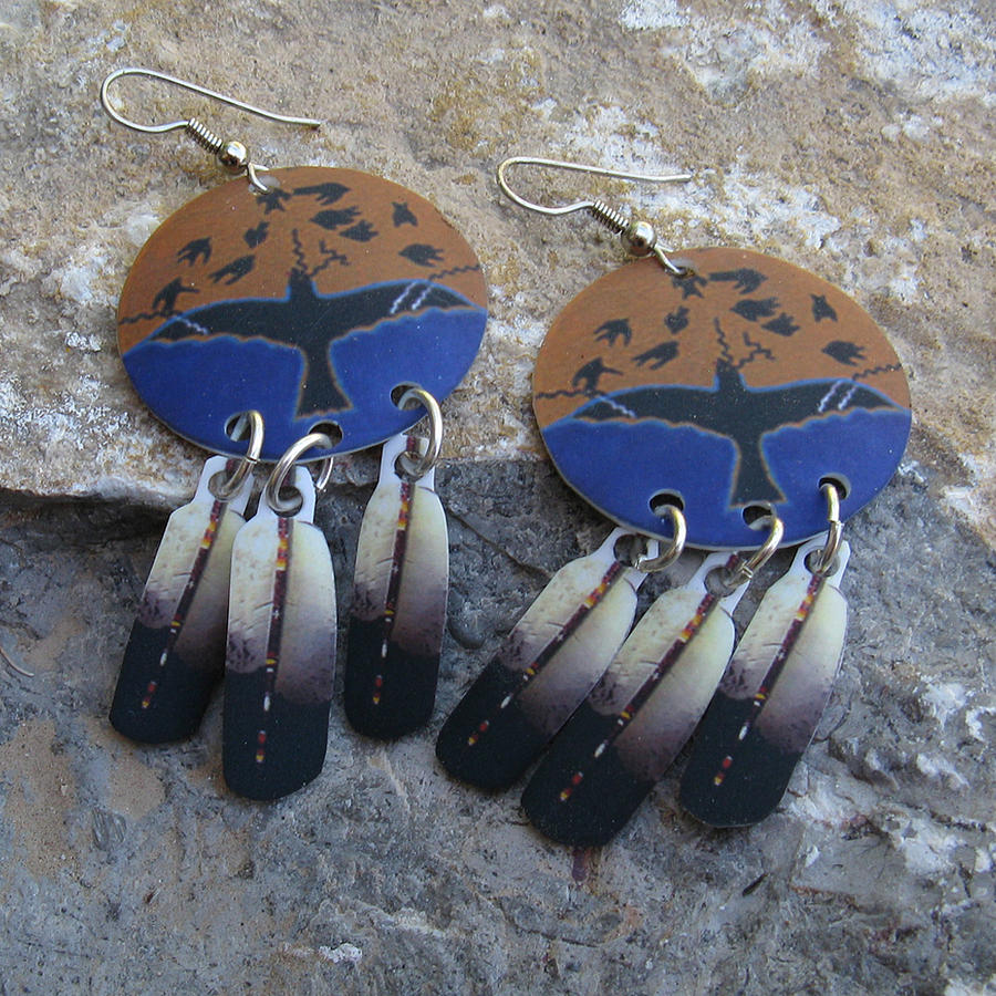 Raven crow thunderbird shield eagle feather dangling for Native american feather jewelry