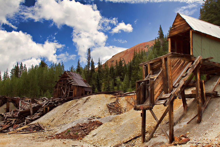 Red Mountain Mining - The Loader Photograph